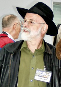 Terry_Pratchett_2005-208x300